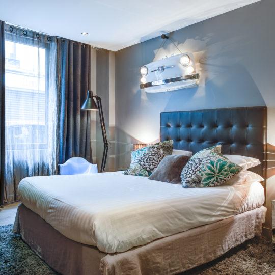 https://www.zehotel.fr/wp-content/uploads/2016/05/chambre-Ze-Hotel-MadeinParis-1-540x540.jpg