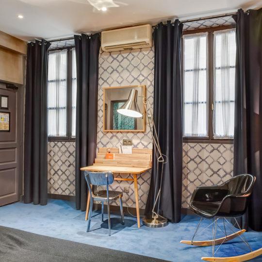 https://www.zehotel.fr/wp-content/uploads/2016/05/chambre2-Ze-Hotel-MadeinParis-1-540x540.jpg