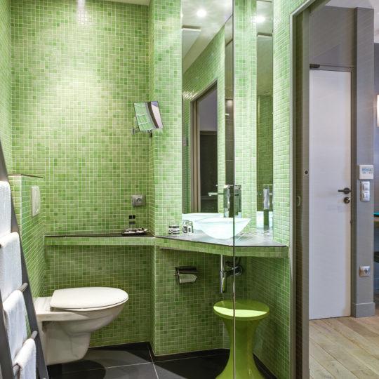 http://www.zehotel.fr/wp-content/uploads/2016/05/salledebain-Ze-Hotel-MadeinParis-540x540.jpg