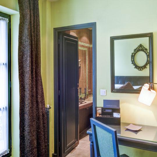 https://www.zehotel.fr/wp-content/uploads/2016/10/galerie-chambre2-Ze-Hotel-MadeinParis-540x540.jpg