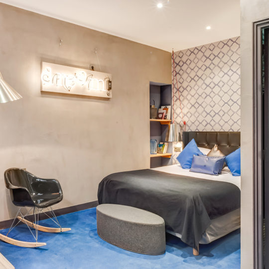 http://www.zehotel.fr/wp-content/uploads/2016/10/galerie-chambre6-Ze-Hotel-MadeinParis-540x540.jpg
