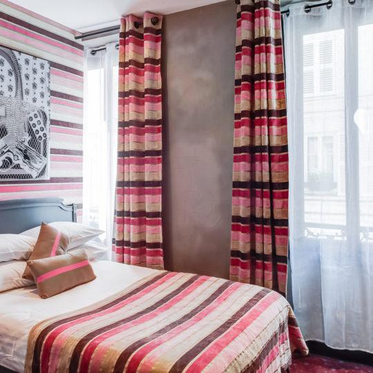 http://www.zehotel.fr/wp-content/uploads/2016/10/galerie-chambre9-Ze-Hotel-MadeinParis-540x540.jpg