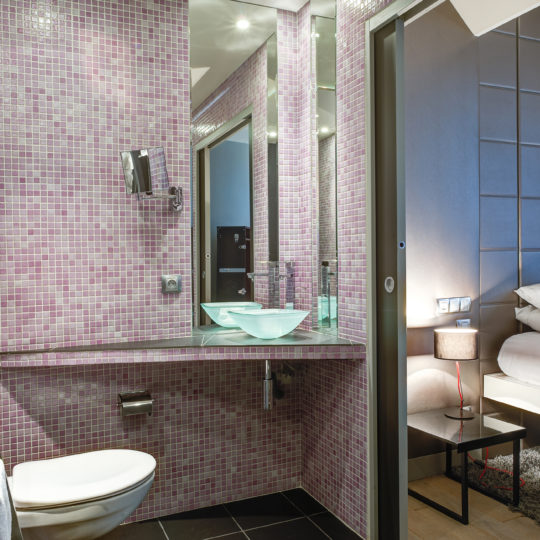 http://www.zehotel.fr/wp-content/uploads/2018/04/galerie-salledebain2-Ze-Hotel-MadeinParis-540x540.jpg